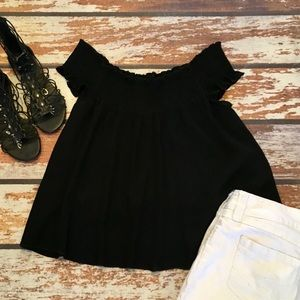 🎇 Mossimo Crop Black Off the Shoulder Top